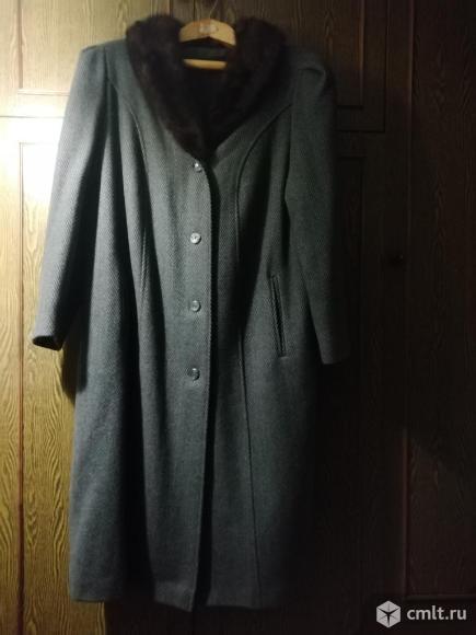 Продаю зимнее пальто б/у. Фото 2.