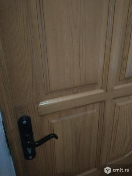 Дверь входая деревянная. Фото 2.