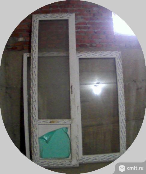 Окно,дверь пластиковая. Фото 1.