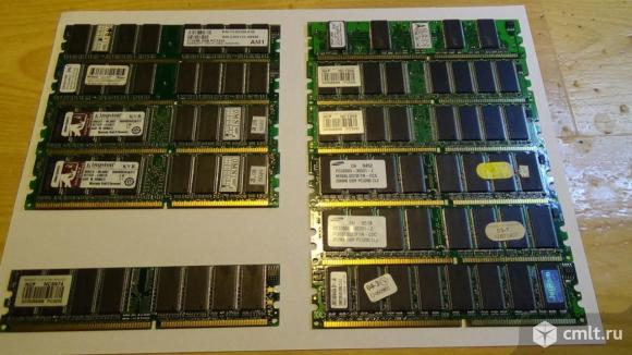 Оперативная память SDRAM. Фото 1.