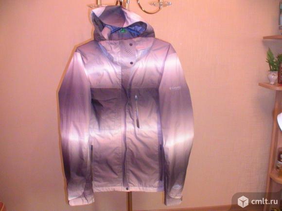 Куртка Columbia женская, с молнией для вентиляции. Фото 1.