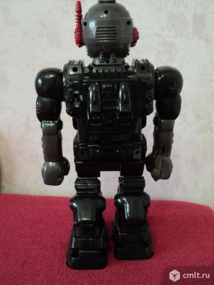 Радиоуправляемый робот. Фото 4.