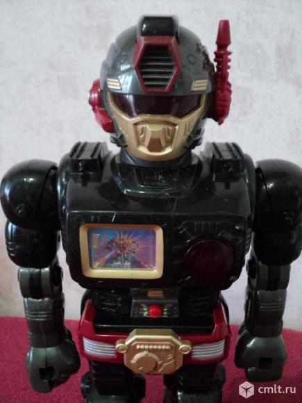 Радиоуправляемый робот. Фото 1.