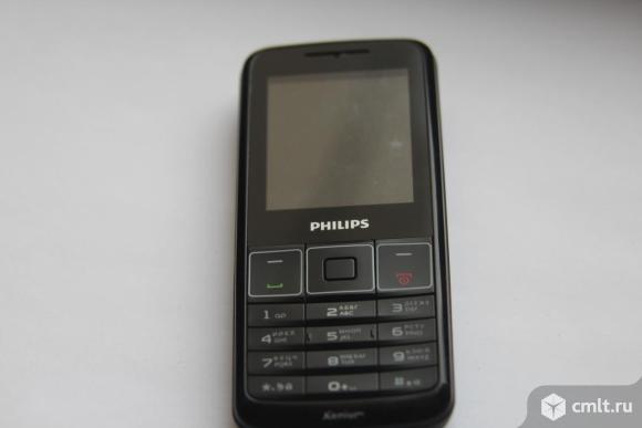 Телефон Philips Xenium. Фото 1.