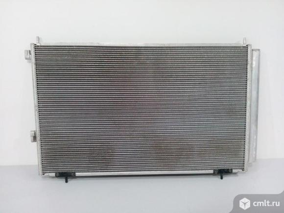 Радиатор кондиционера TOYOTA RAV4 13- б/у 8846042110 4*. Фото 1.