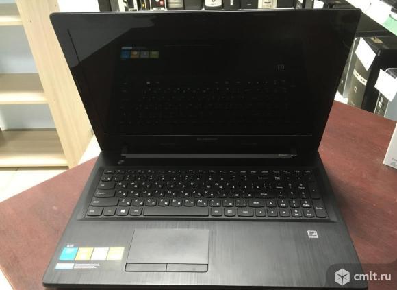 Ноутбук Lenovo. Фото 1.