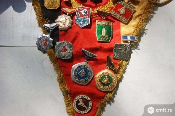 Советские значки. Фото 4.