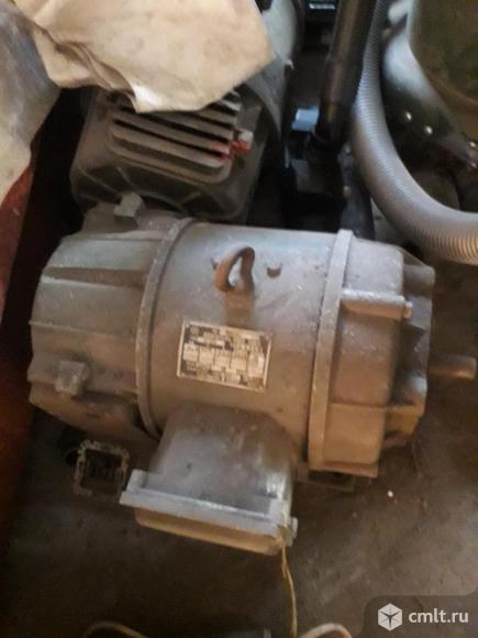 Электродвигатель постоянного тока П 22. Фото 1.
