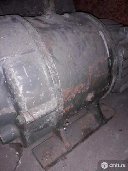 Электродвигатель постоянного тока П 22. Фото 4.