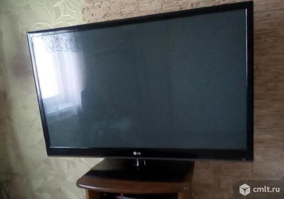 Телевизор плазма 127 см. LG 50PJ250R. Фото 2.