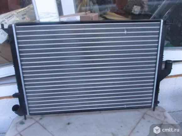 для Renault Sandero Logan радиатор охлаждения номер 2140000Q2M, 214104AA0A, 214104453R, 2140000Q2M, 8200735038 Для моделейLADA Largus 12-, Nissan Almera G15 (RUS) 12-, Renault Logan, Renault Log