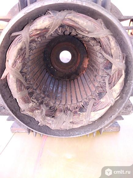 Обмотка асинхронного трехфазного электродвигателя. Фото 4.