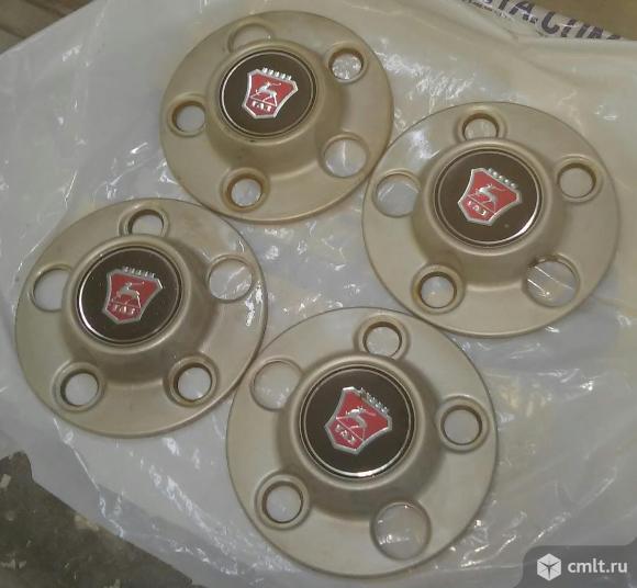 Колпачки на стандартные диски ГАЗ 31105. Фото 1.