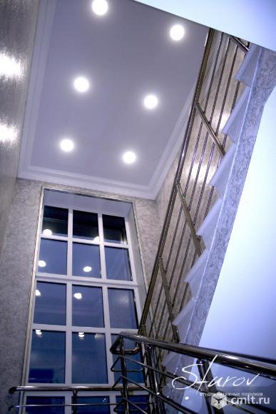 Натяжные потолки Воронеж, фото, натяжной потолок над лестницей, тканевые натяжные потолки D-Premium, точечные светильники Gauss, Студия потолков Sturov