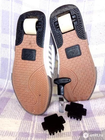 Кроссовки на роликах HEELYS. Фото 1.