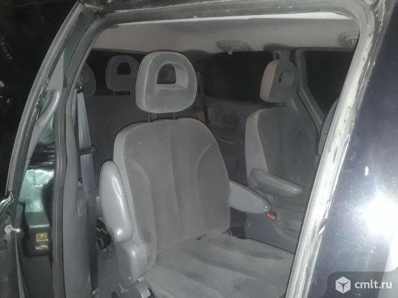 Chrysler Grand Voyager - 2004 г. в.. Фото 1.