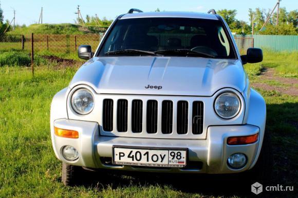 Jeep Cnerokee. Фото 1.