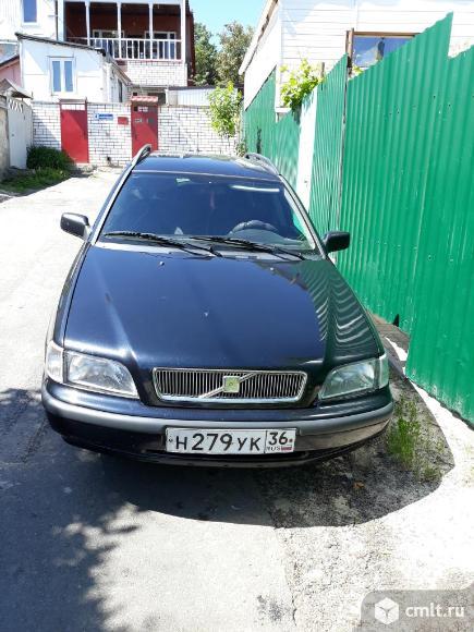 Volvo V40 - 1998 г. в.. Фото 1.