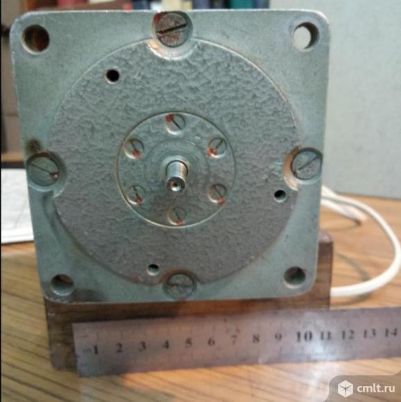 Двигатель постоянного тока 4АР-2. Фото 1.