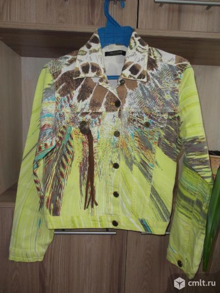 Стильная джинсовая курточка. Фото 1.
