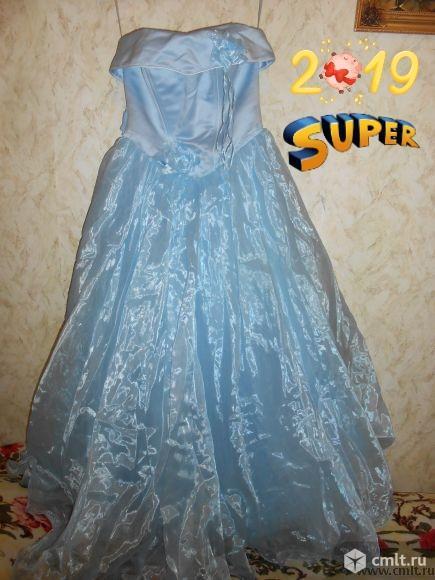 Продам длинное выпускное или вечернее платье. Фото 1.