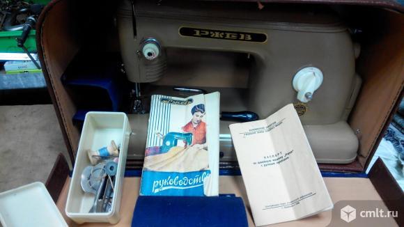 Швейная машинка Ржев 1962г.в.. Фото 2.