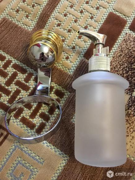 Дозатор  для мыла настенный.. Фото 3.