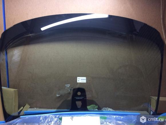 Лобовое стекло BMW X5 e70. Фото 1.
