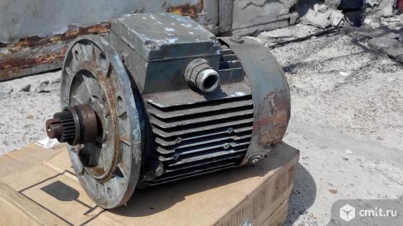 Асинхронный двигатель 1,2-1,5 квт.. Фото 1.