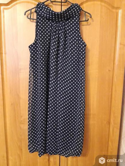 Темно-синее платье в белый горошек 44 р-р. Фото 1.