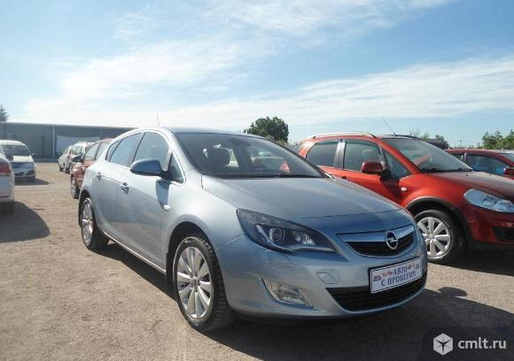 Opel Astra - 2011 г. в.. Фото 1.