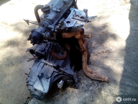 Двигатель с кпп. Фото 1.