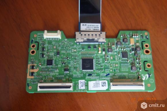 Телевизор ж/к Samsung LE32C454E3W. Фото 1.
