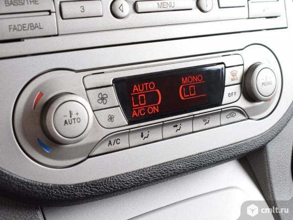 Ford Kuga - 2011 г. в.. Фото 8.