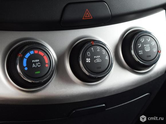 Hyundai Elantra - 2010 г. в.. Фото 8.