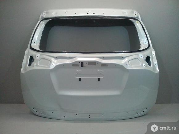 Крышка багажника TOYOTA RAV4 15- б/у 670050R280 670050R270 3*. Фото 1.