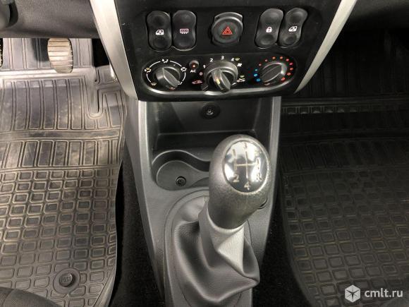Nissan Almera - 2015 г. в.. Фото 19.