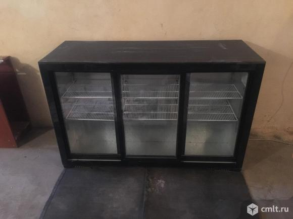 Холодильник витрина. Фото 2.