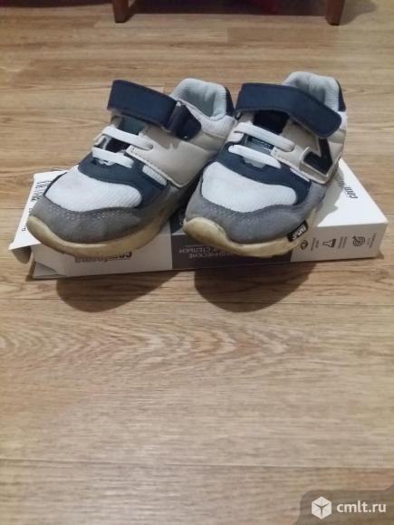Стильные кроссовки. Фото 2.