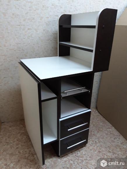 Маникюрный стол - складной с полкой. Фото 1.