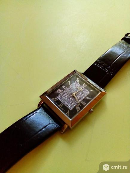 Часы наручные. Фото 1.