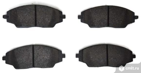 Колодки передние для Chevrolet Cobalt подходят для Aveo T300. Фото 1.