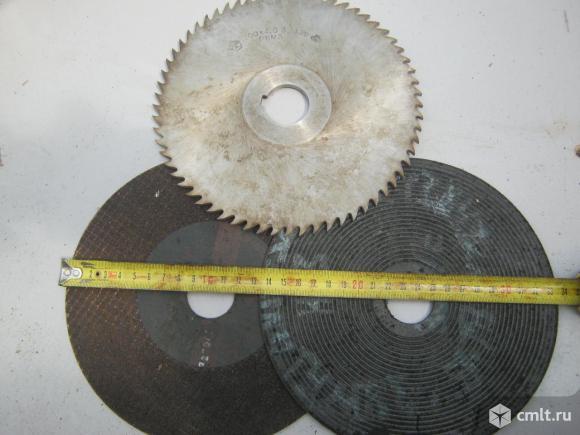 Отрезные диски и фреза.. Фото 1.