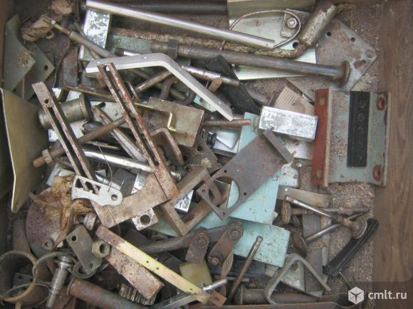 Металлические изделия и др. материалы.. Фото 1.