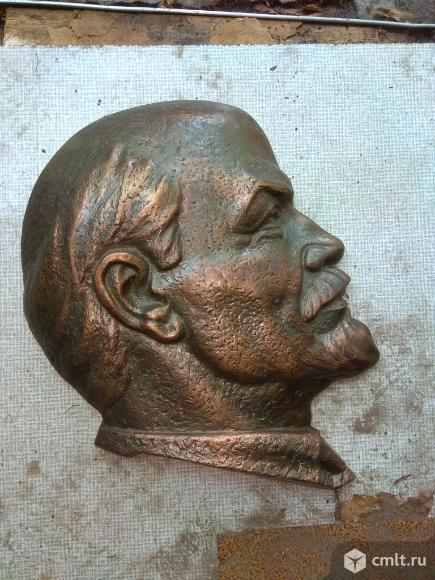 Барельеф Ленина. Фото 1.