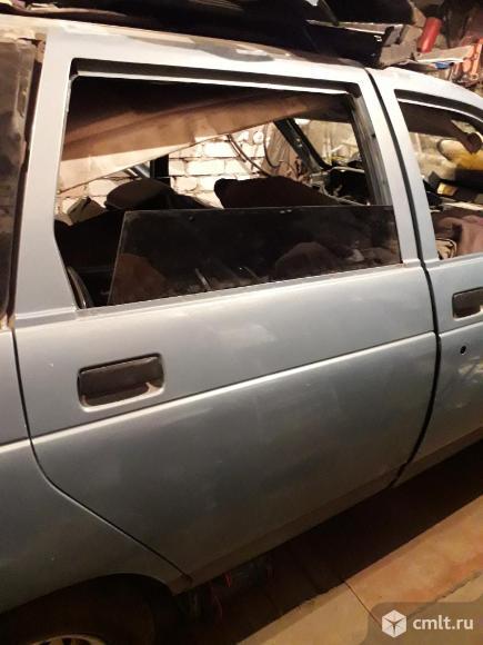 Кузовные детали б/у от автомобиля ВАЗ 2111. Фото 1.