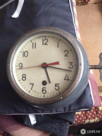 Часы  морские каютные. Фото 1.
