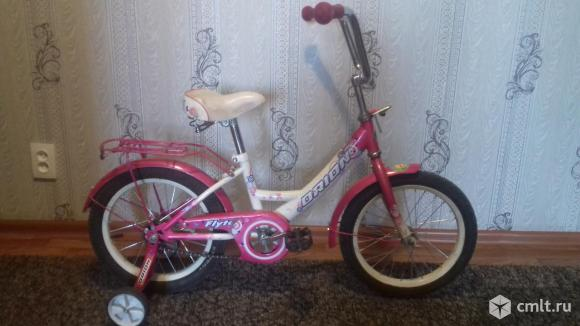 Велосипед в отличном состояние с боковыми колесами