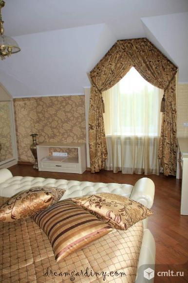 Шторы, покрывало и подушки в спальню на мансардный этаж. Комплект штор в спальню.