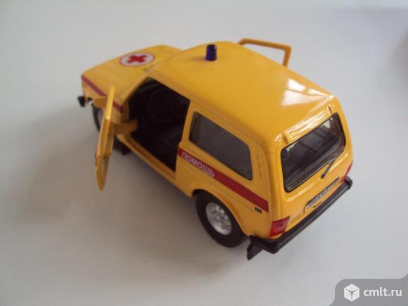 Автомобиль Лада 4x4 Скорая помощь. Фото 6.